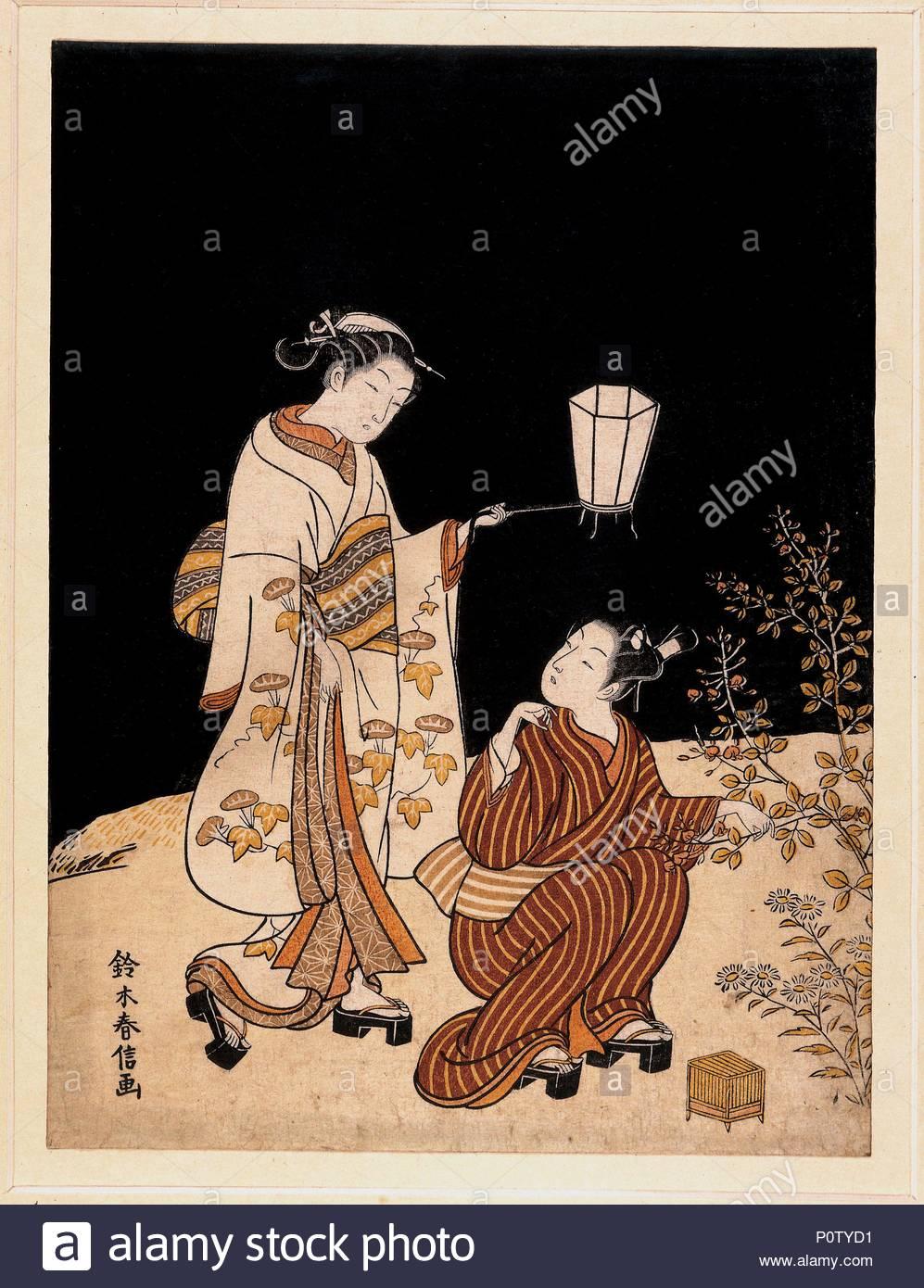 """""""Die Jagd auf Insekten, Japan, Edo Periode, c 1768. Ein Liebespaar Jagd auf Insekten, wahrscheinlich Glühwürmchen oder zirpende Grillen, auf einer frühen Herbst Nacht. Einen kleinen Käfig bereit ist, auf den Boden, während der junge Mann sucht durch eine Pflanze von Bush clover. Er dreht sich für einen Moment ein intimer Blick mit der Frau, die trägt eine elegante Kimono mit einem Muster der Blüte morning glory auszutauschen. Der schwarze Hintergrund muss mehrmals gedruckt wurden die weiche samtige Tiefe, gegen das die beiden Figuren und Laterne stand, um eine solche Wirkung hervorzurufen. Suzuki Harunobu war einer der Ersten, der Ukiyo-e Arti Stockbild"""