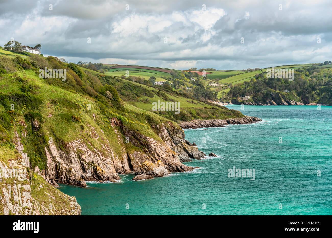 Malerische Küste an der Mündung des Dart River, Devon, England, UK   Malerische Tarifbezirk Kueste der Flussmuendung des Dart River, Devon, England, Großbritannien Stockbild