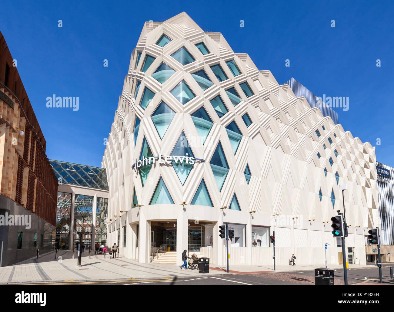 027a076d24 Victoria Einkaufszentrum Leeds Yorkshire England Leeds Yorkshire  viktorianischen Arkaden Fashion Designer Shops John Lewis Department Store  Leeds England ...
