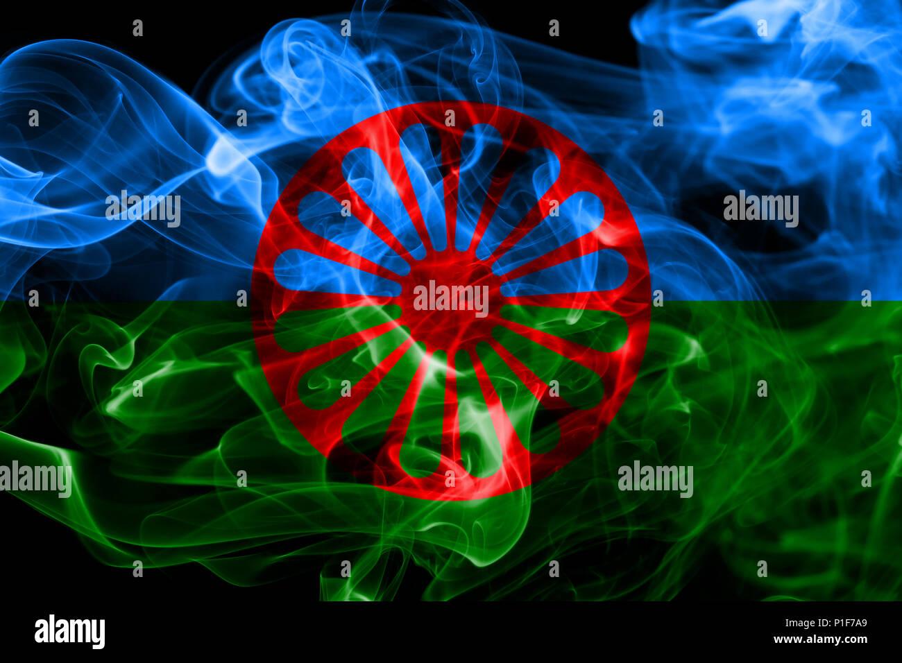 Roma, Zigeuner Rauch rauch Flagge Flagge Stockfoto, Bild