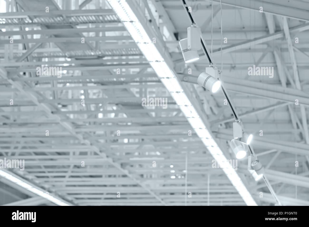 Steel Roof Truss Stockfotos & Steel Roof Truss Bilder - Seite 2 - Alamy