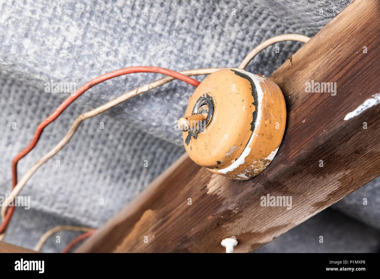 Dangerous Wiring Stockfotos & Dangerous Wiring Bilder - Alamy