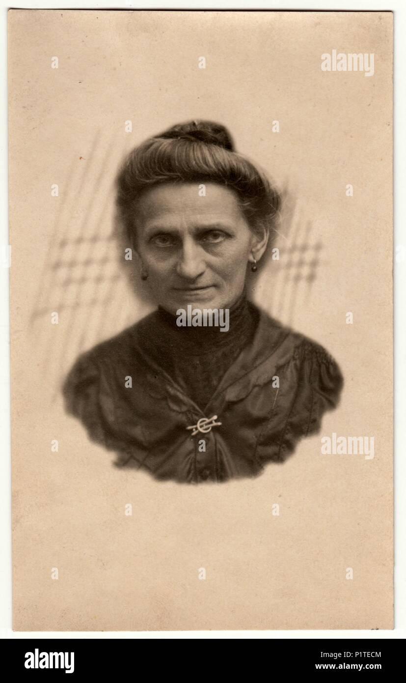 Deutschland Circa 1930s Vintage Foto Zeigt Altere Frau Portrat