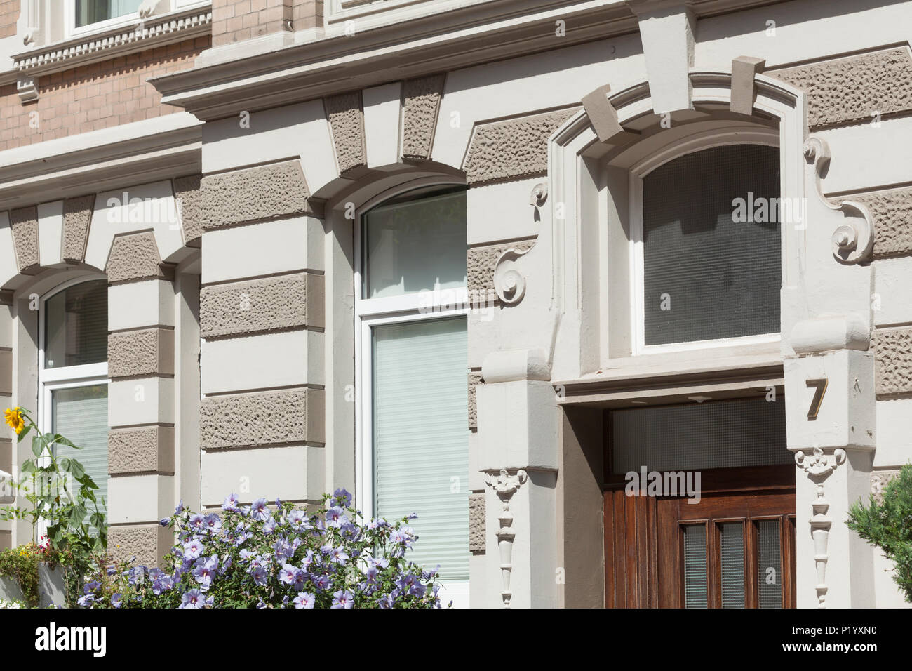 Dekoriert Tür Portal, Altes Wohnhaus in Körtingstrasse, Hannover, Niedersachsen, Deutschland, Europa ich Verziertes Türportal, Altes Wohnhaus in der KörtinStockfoto
