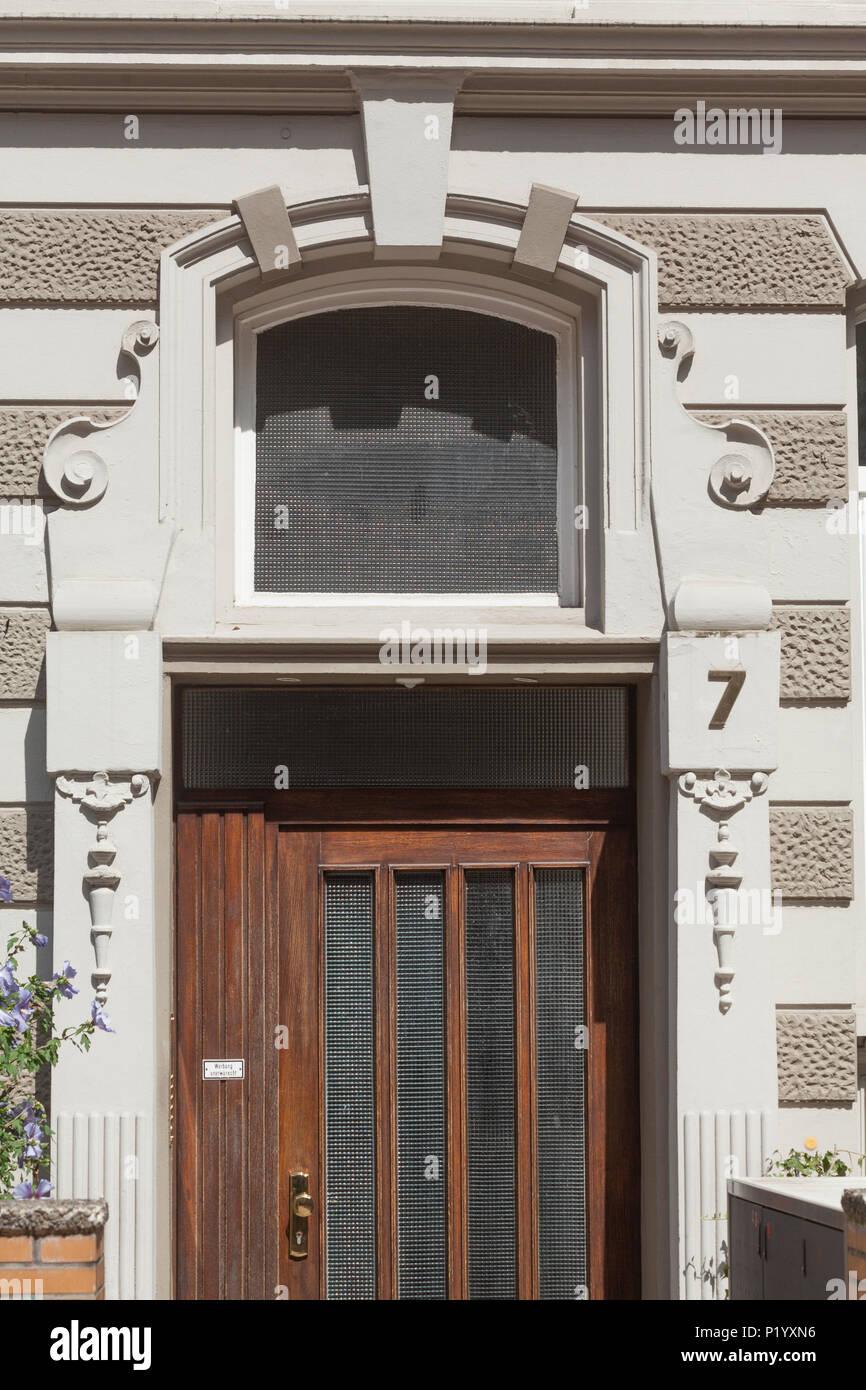 Dekoriert Tür Portal, Altes Wohnhaus in Körtingstrasse, Hannover, Niedersachsen, Deutschland, Europa ich Verziertes Türportal, Altes Wohnhaus in der Körtin Stockfoto
