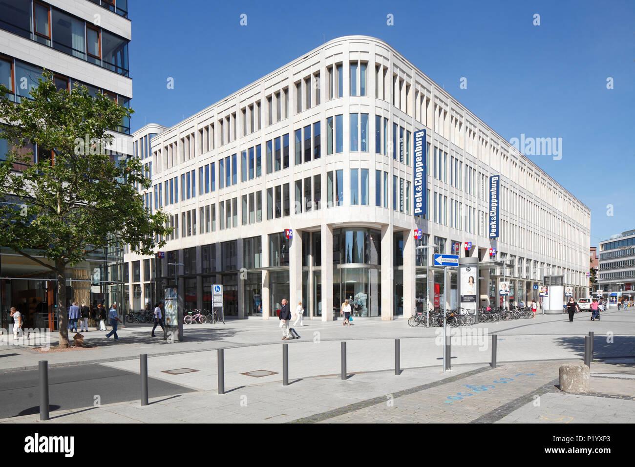 Textil Kaufhaus Peek und Cloppenburg, modernes Gebäude im Zentrum der Stadt, Hannover, Niedersachsen, Deutschland, Europa ich Textilkaufhaus Stockfoto