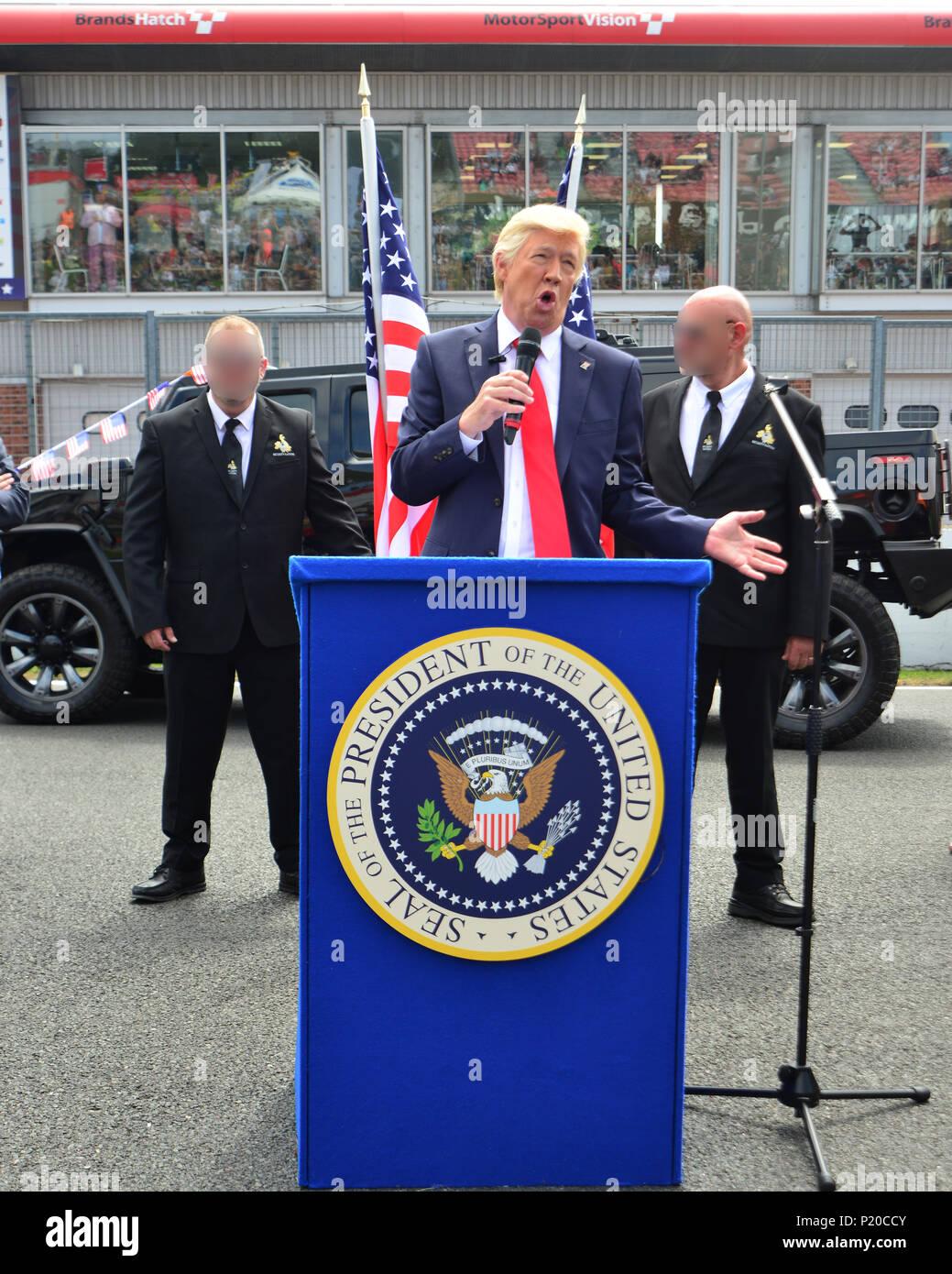 Nicht der Präsident, Donald Trump, Amerikanische Speedfest VI, Brands Hatch, Juni 2018, Automobile, Autosport, Autos, Rundstrecke, England, Unterhaltung, Stockbild