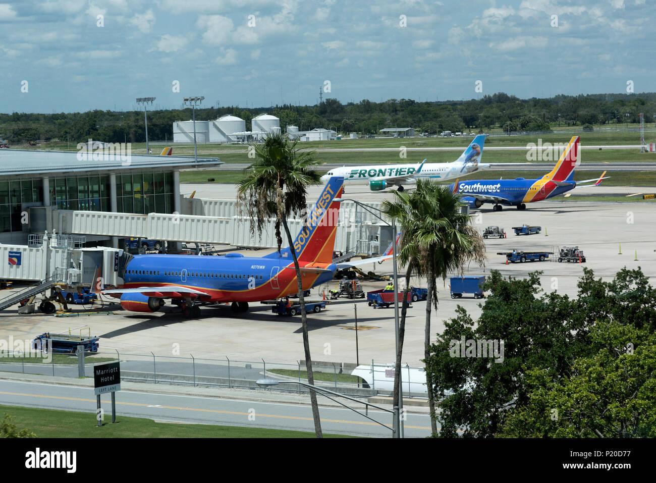 Zum Internationalen Flughafen Tampa, Florida, USA. 2018. Überblick über die Southwest Airline Terminal und Flugzeuge. Stockbild