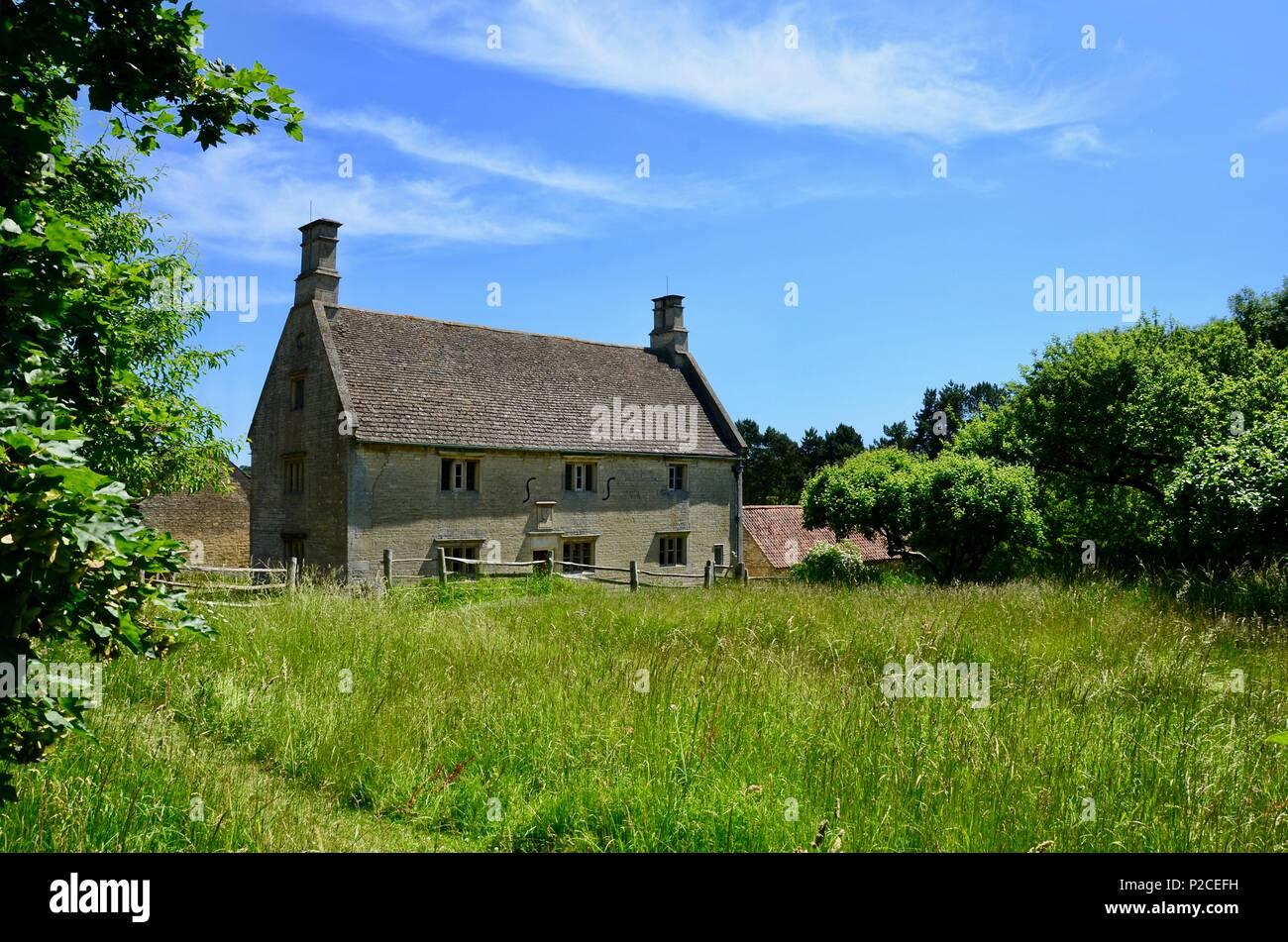 Die Außenseite des Woolsthorpe Manor, Lincolnshire, Geburtsort und Heimat der Wissenschaftler und Mathematiker Sir Isaac Newton. Stockfoto