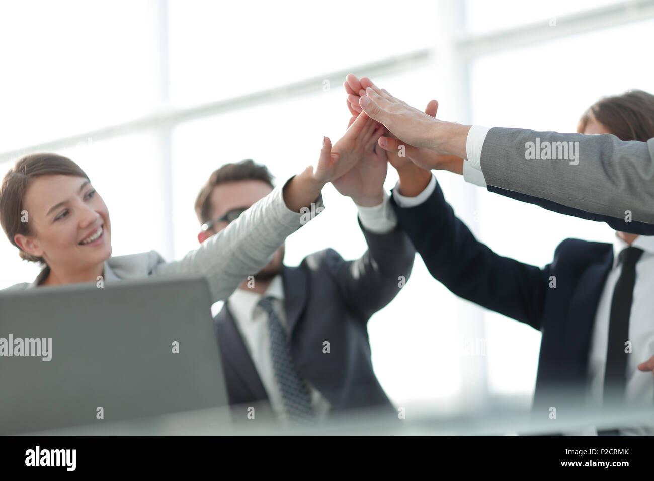 Erfolg und Sieg. das Konzept der Teamarbeit. Stockbild