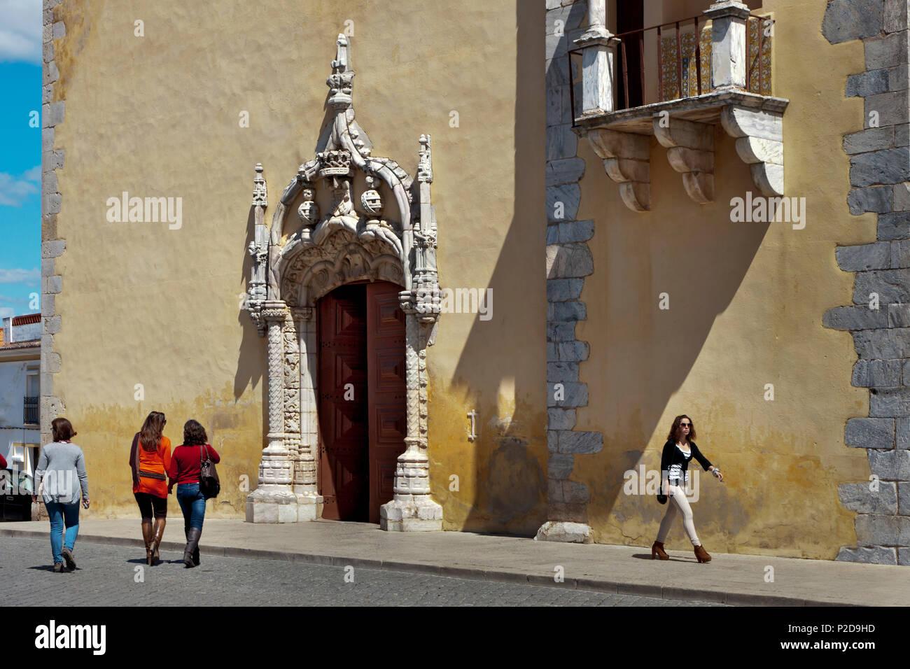Eingang einer Kirche, Moura, Alentejo, Portugal Stockbild