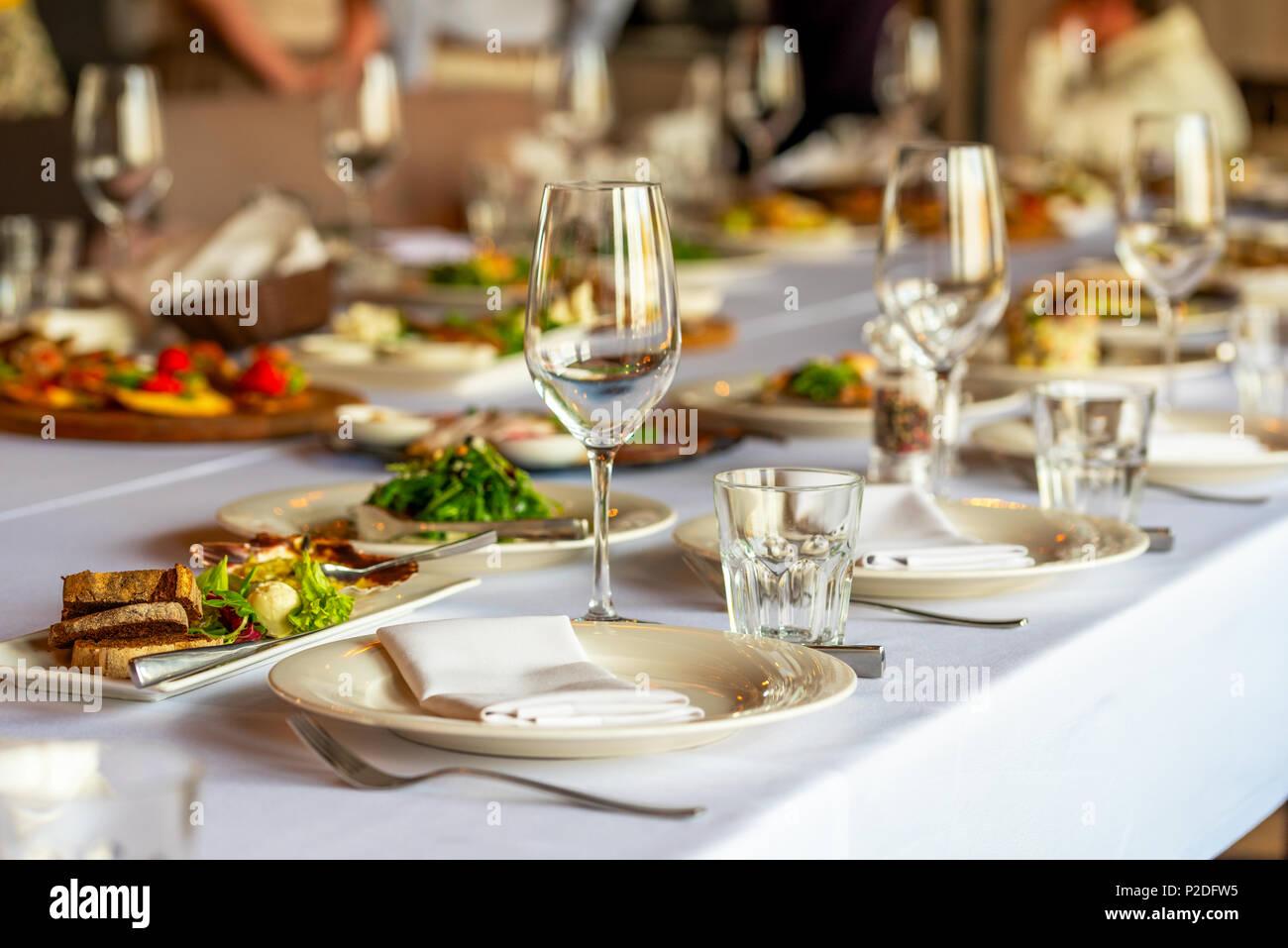 Schn Gedeckter Tisch Ein Festlich Gedeckter Tisch Unglaubliche