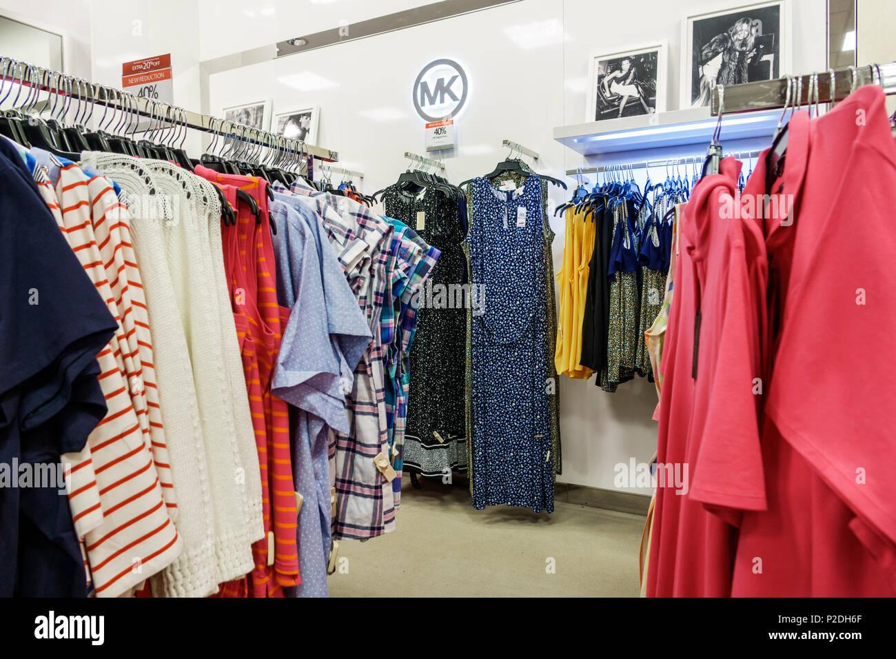 Florida Jensen Beach Macy Kaufhaus innen shopping Frauen plus die Größe-kleidung  kleider Designer Michael 30bfe6506d