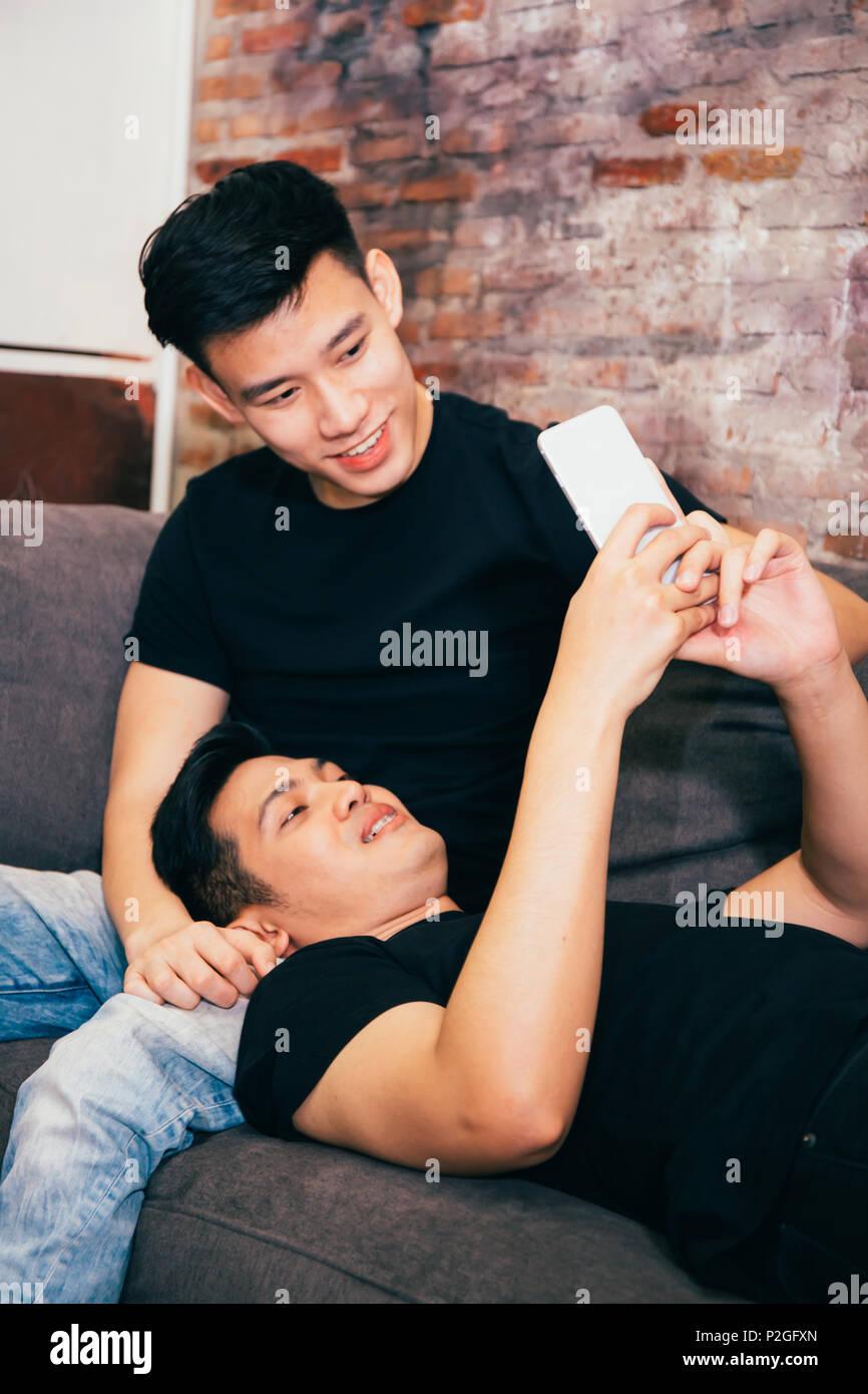 Chinesische Küsse Dating-Website