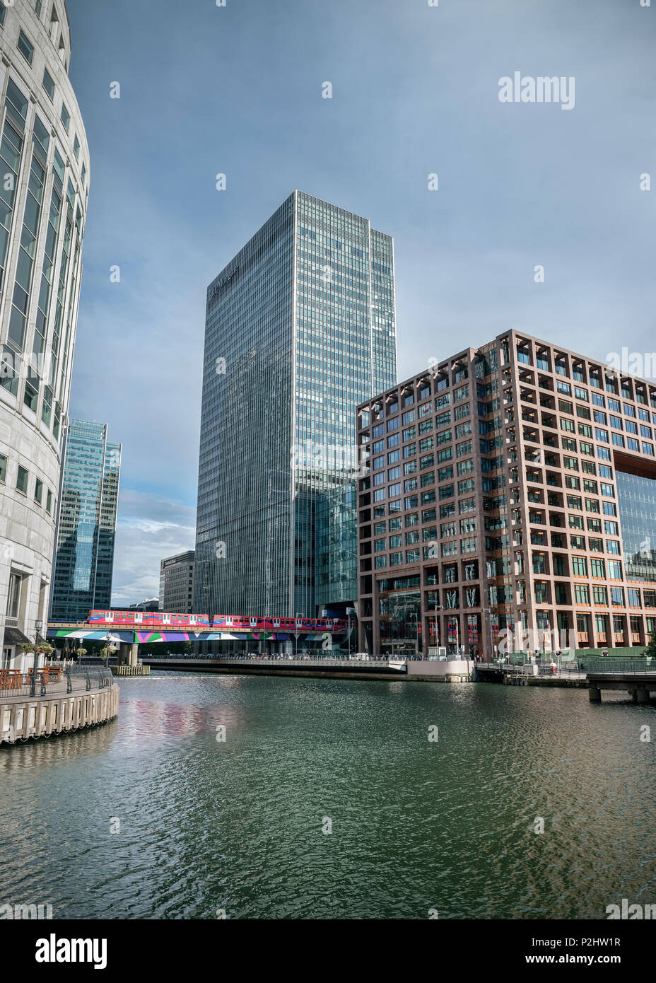 Blick Richtung Office Tower von J.P.Morgan, Canary Wharf neue Financial District, City of London, England, Vereinigtes Königreich, Europa Stockbild