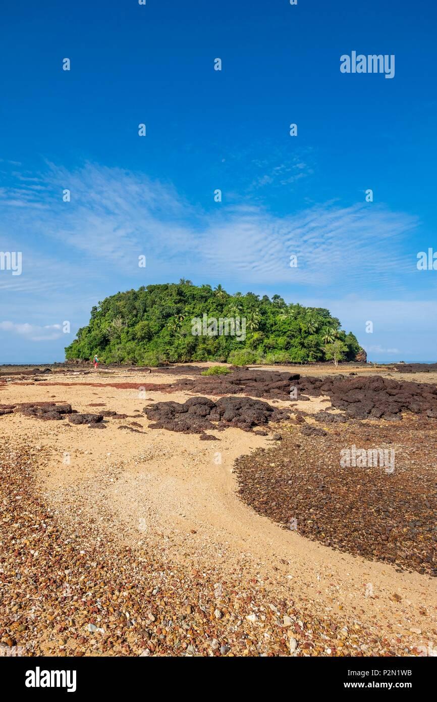 Thailand, Provinz Trang, Ko Libong Island, Insel vor Haad Kao Lang Strand, der zu Fuß bei Ebbe erreicht werden kann. Stockbild