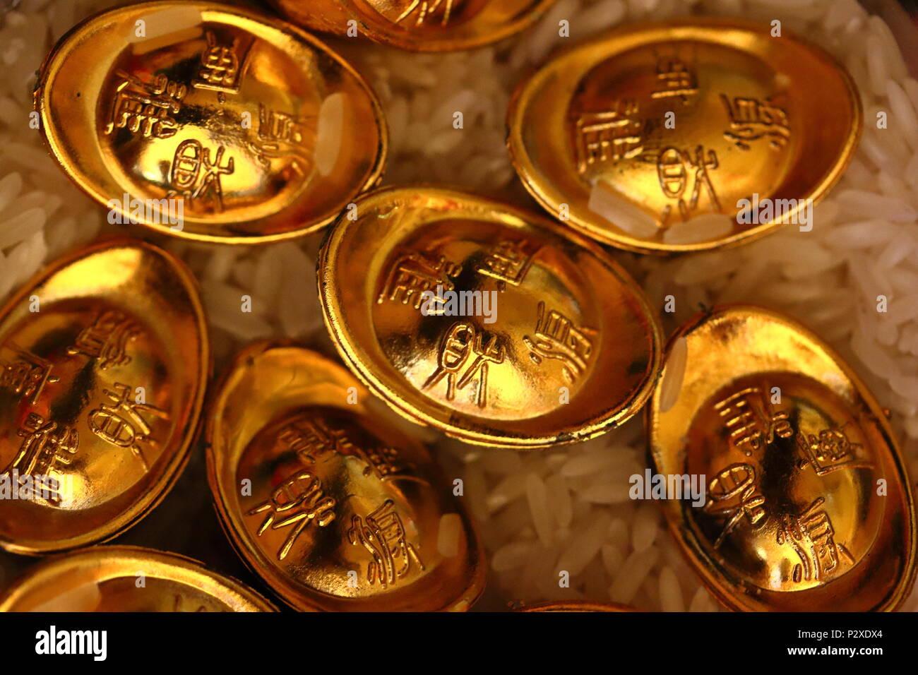 Chinesische Glück Gold Münzen Stockbild
