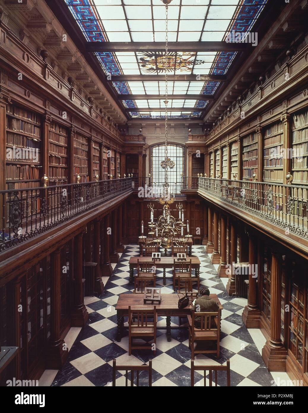 Innenraum - VISTA ALLGEMEINE DESDE ARRIBA. Lage: Biblioteca Menéndez Pelayo, Santander, Kantabrien, Spanien. Stockbild