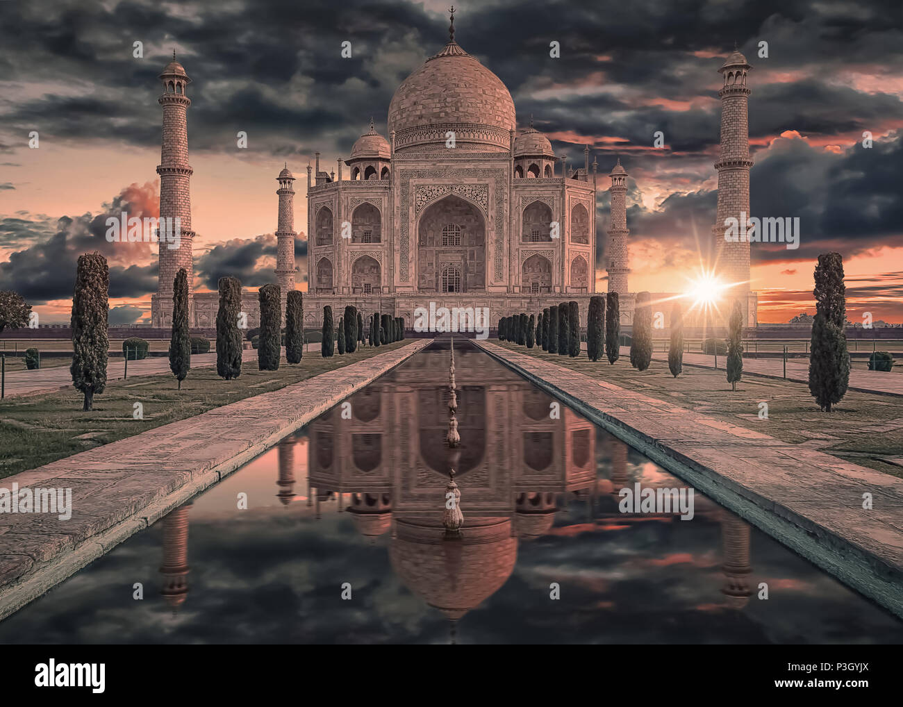Taj Mahal in Agra, Indien Sonnenaufgang Licht Stockbild