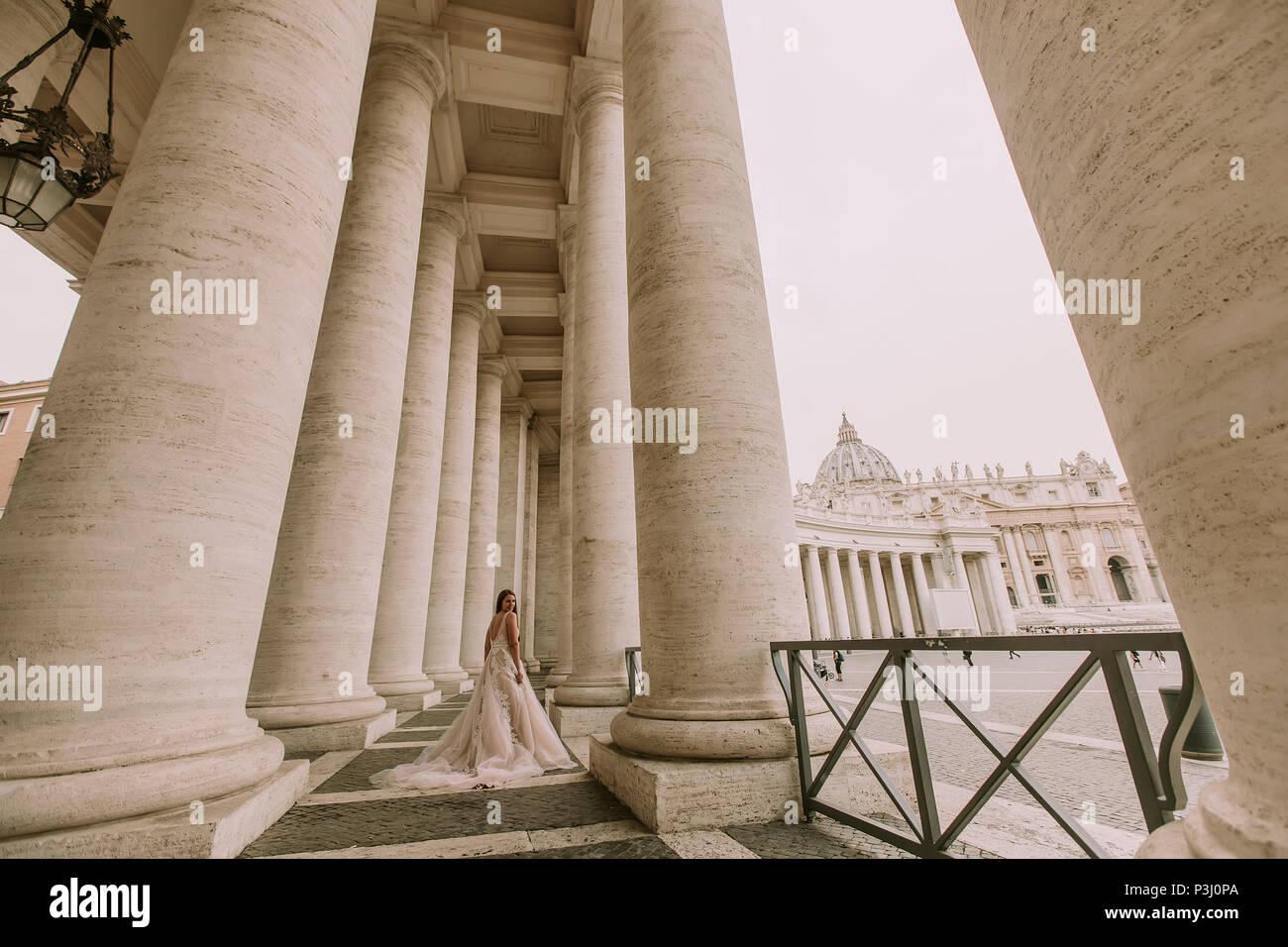 Long Colonnade Stockfotos & Long Colonnade Bilder - Alamy