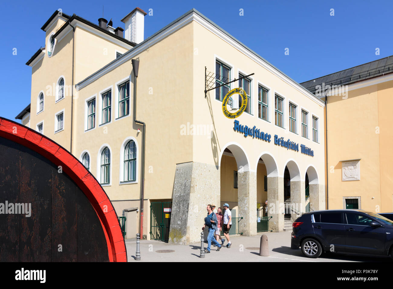 Augustiner Biergarten Stockfotos Und Bilder Kaufen Alamy