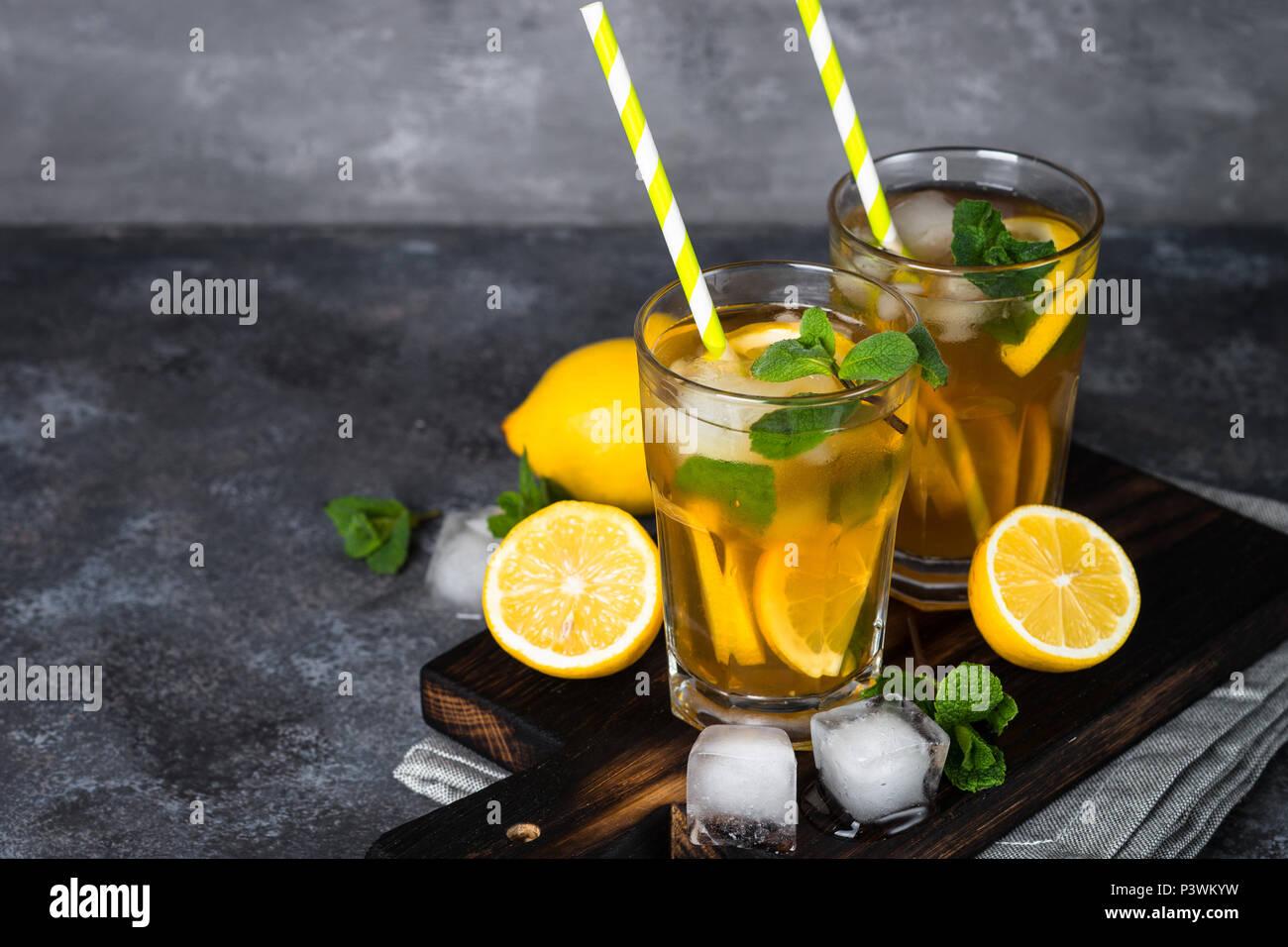 Eistee Sommer Kaltes Getränk Mit Schwarzer Tee Zitrone Minze Und