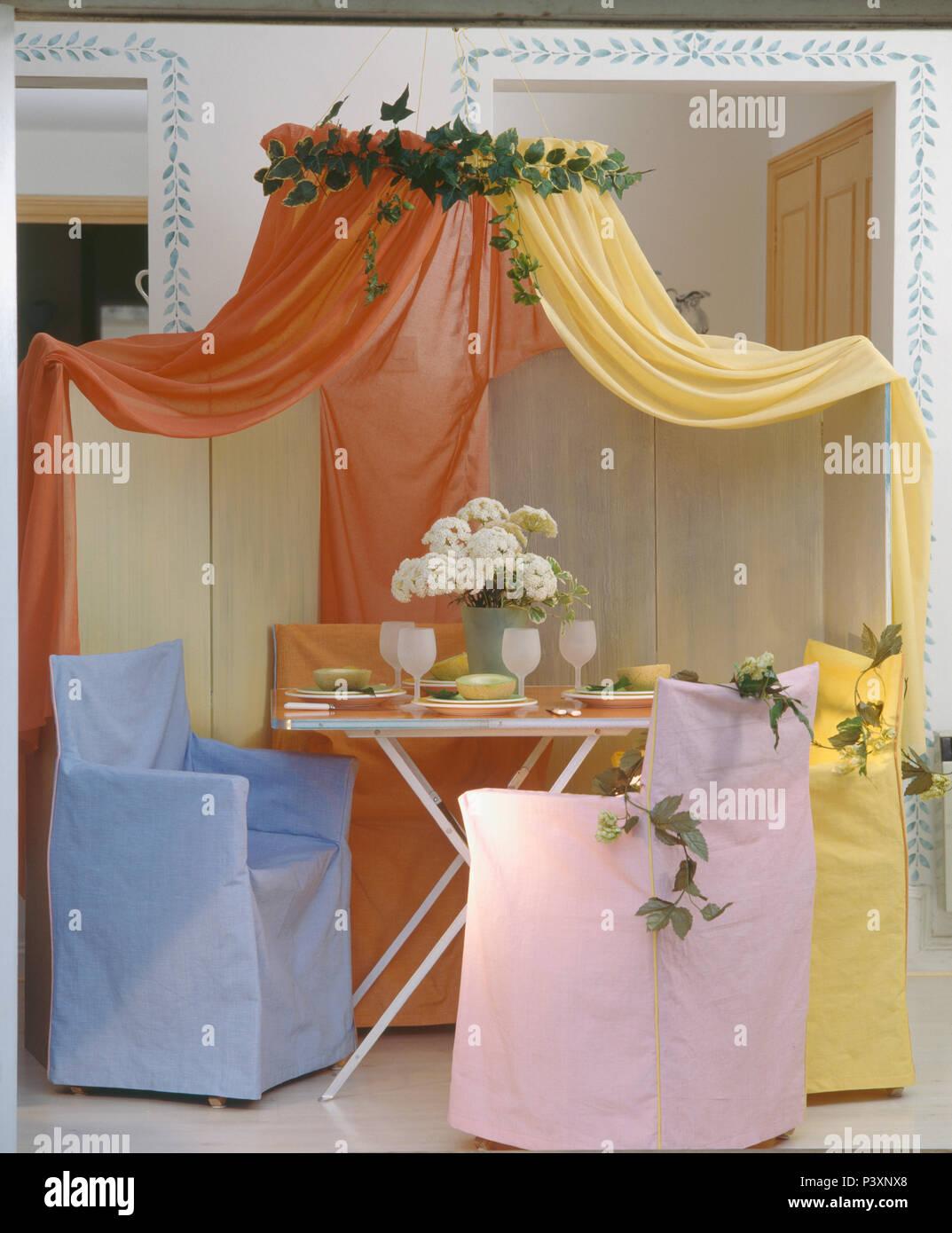 Orange Und Gelb Voile Gardinen Tabelle Oben Und Directors Stühle