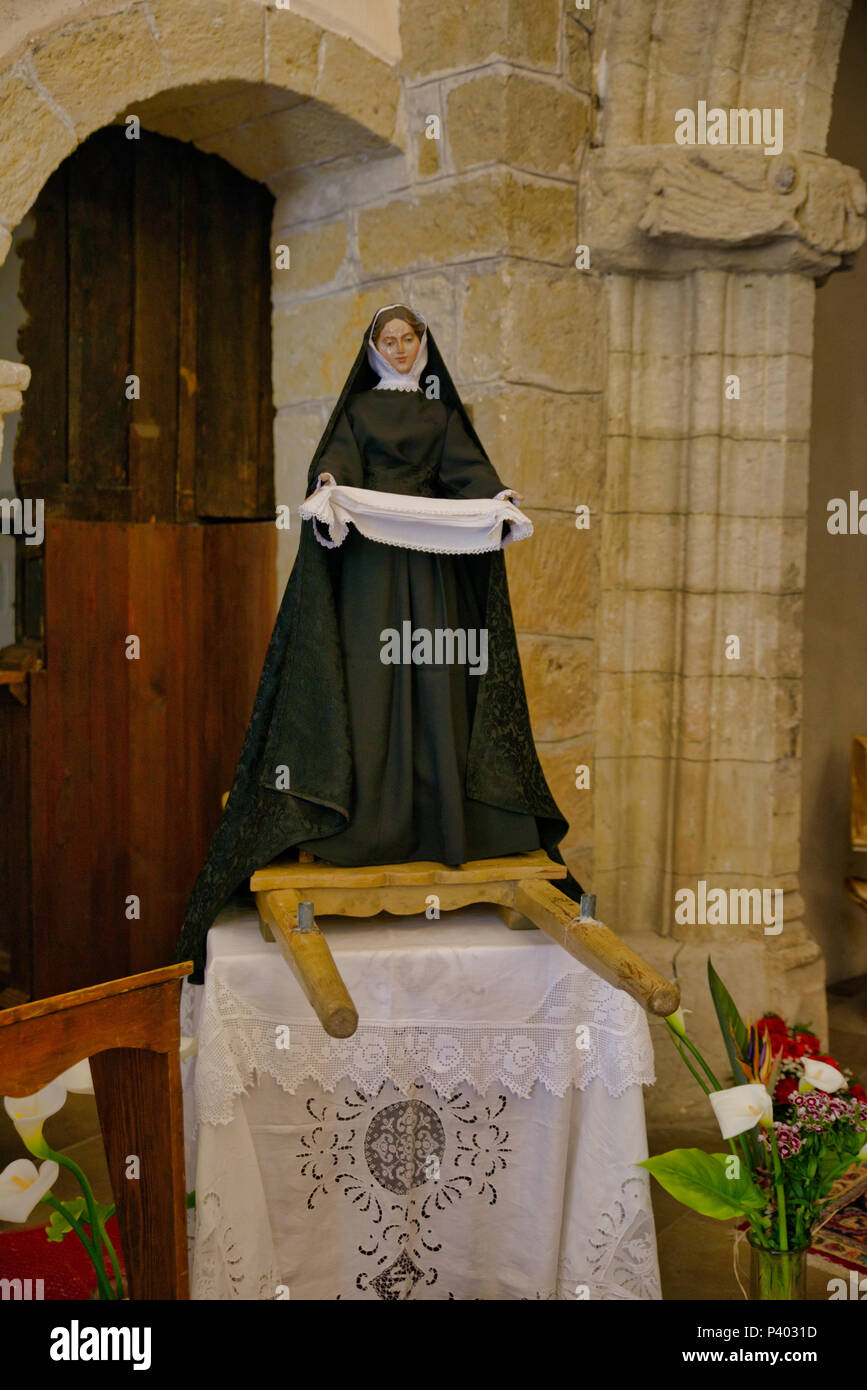 Castelsardo, Italien, 11. April 2018: Skulptur der Heiligen Maria in der Kirche in Castelsardo, die Skulptur ist für die Prozessionen rund um Ostern verwendet Stockbild