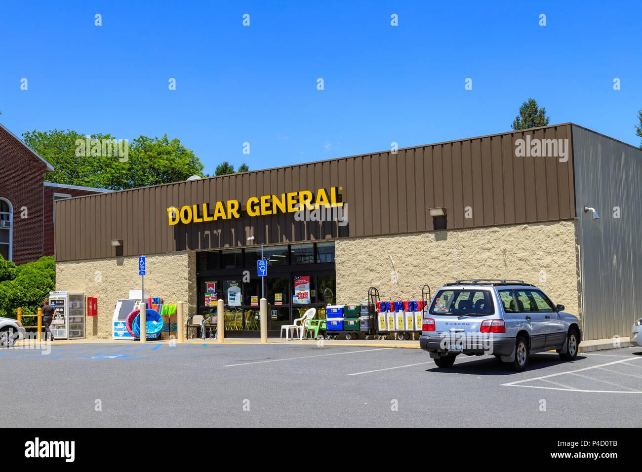 Leesport Pa Usa 14 Juni 2018 Dollar Allgemein Ist Eine Amerikanische Kette Der Vielfalt Geschäfte Mit Sitz In Goodlettsville Tennessee Dollar Allgemein O Stockfotografie Alamy