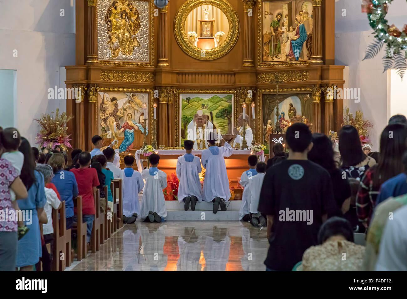 Christmas Priest Service Stockfotos & Christmas Priest Service ...