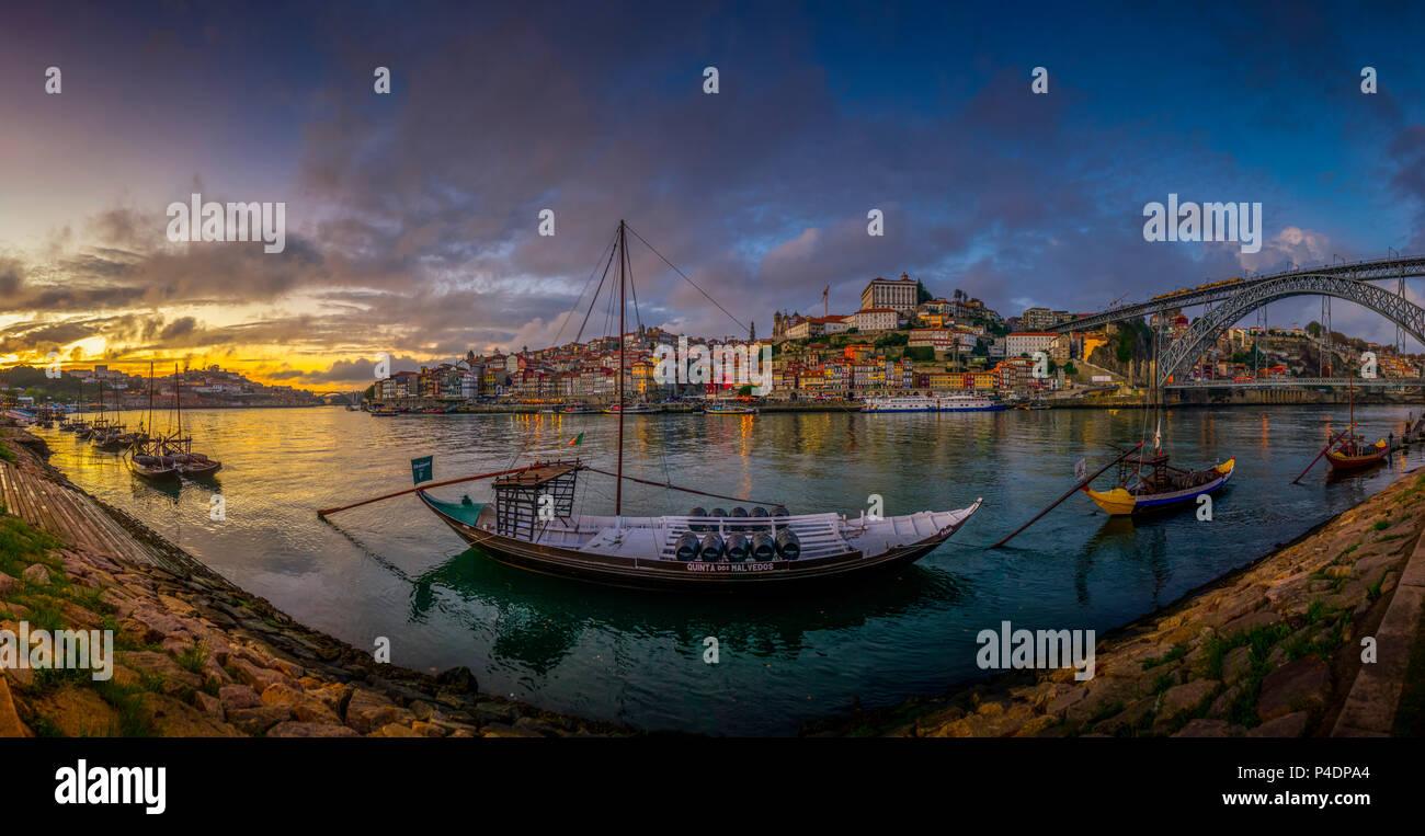 Europa, Portugal, Porto, Wahrzeichen, Brücke, Ponte Dom Luis I Stockbild