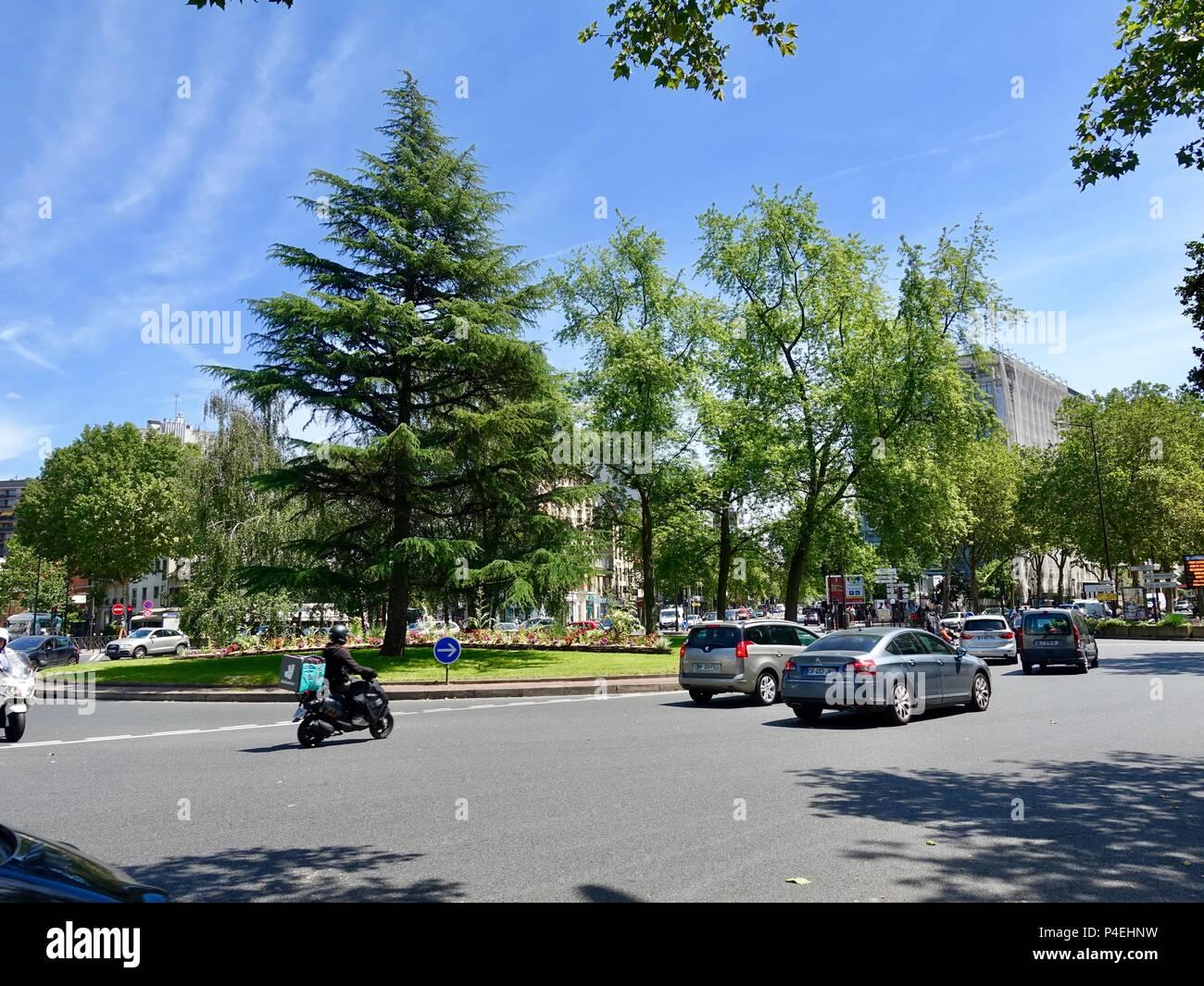 Kreisverkehr Rond-Point Rhin et Danube, Paris, Frankreich Stockbild