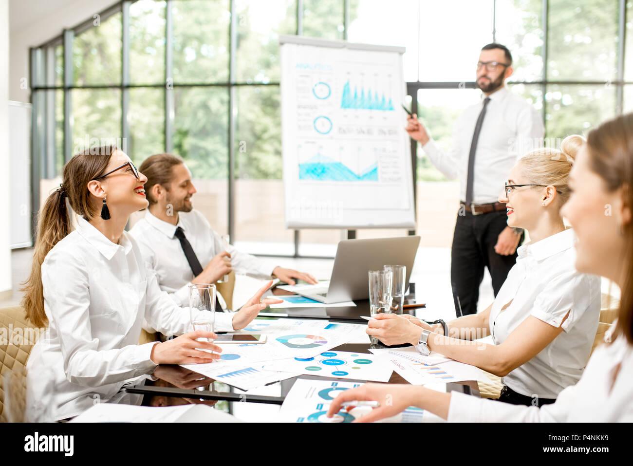 Geschäft Leute während einer Konferenz im Innenbereich Stockbild