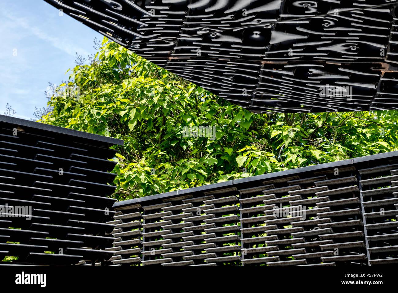 Die Serpentine Pavillon 2018 von Frida Escobedo im Hyde Park, London, UK Stockbild