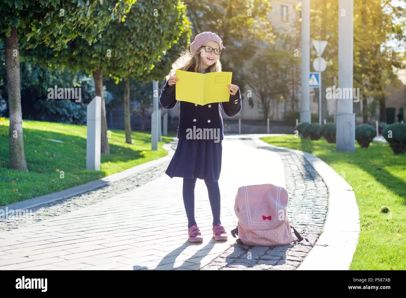 Back To School Fashion Stockfotos & Back To School Fashion Bilder ...