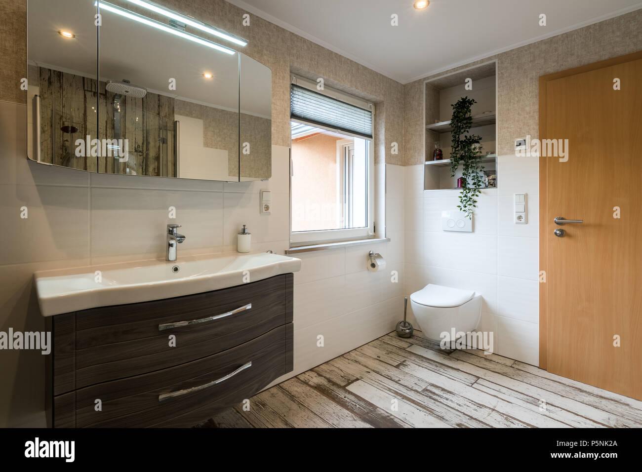 Fußboden Fliesen Vintage ~ Modernes bad im traditionellen stil mit wc und vintage bodenfliesen