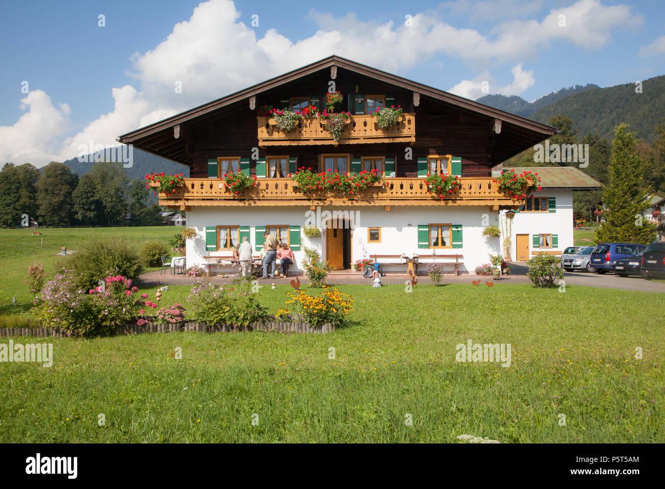 Traditioneller Bauernhof im Berchtesgadener Land Stockbild