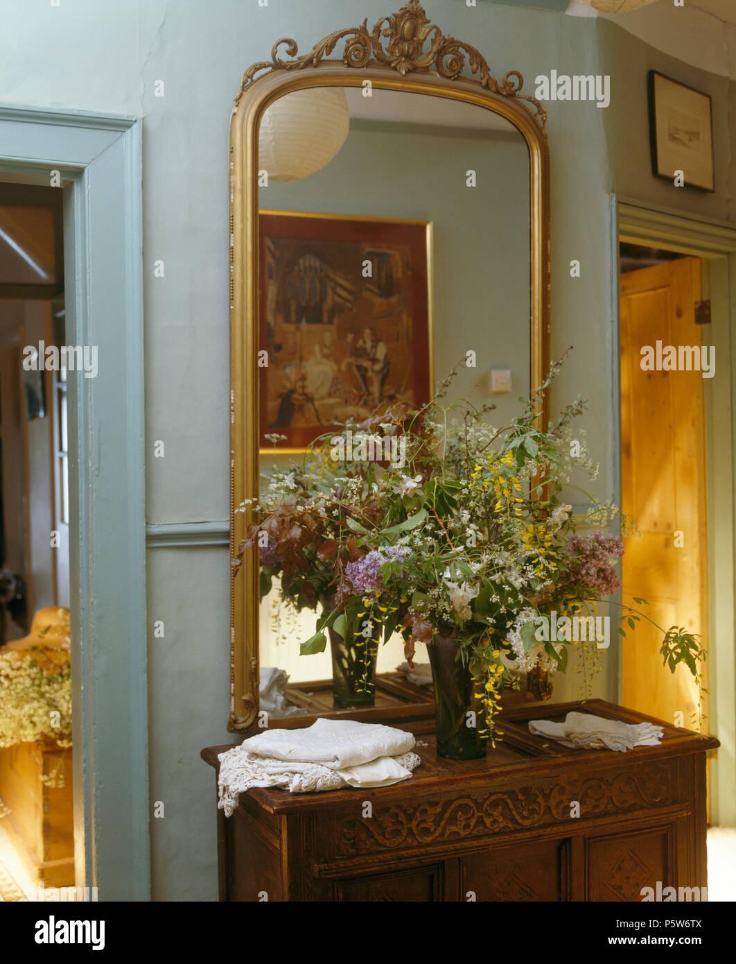 Grosse Antike Vergoldete Spiegel Uber Geschnitzten Holzernen