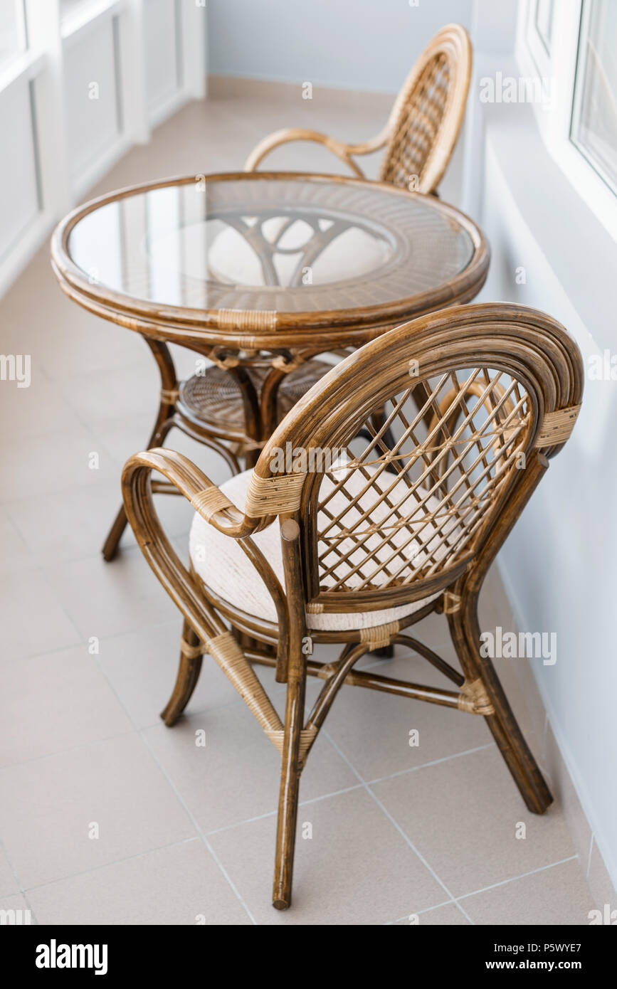 glas tisch und rattan rattan sitz stuhl korbm bel rattan. Black Bedroom Furniture Sets. Home Design Ideas