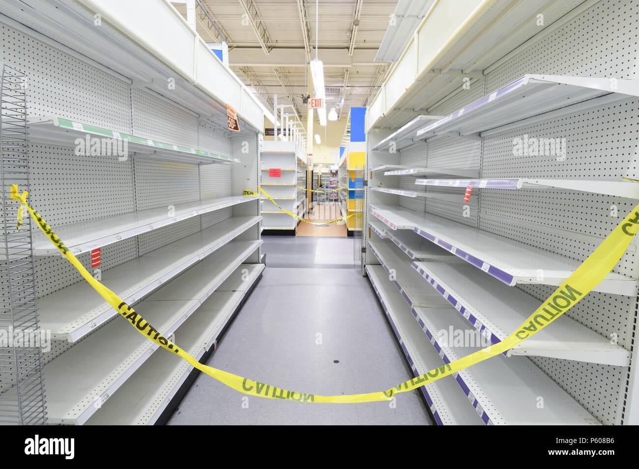 Toy Shelves Stockfotos & Toy Shelves Bilder - Alamy