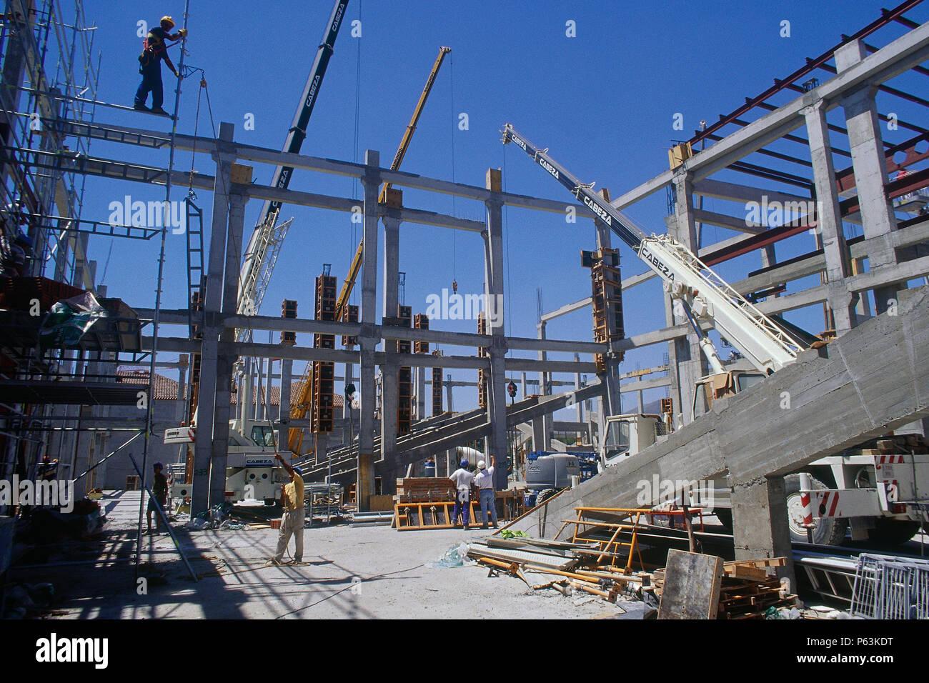Concrete Frame Stockfotos & Concrete Frame Bilder - Seite 2 - Alamy