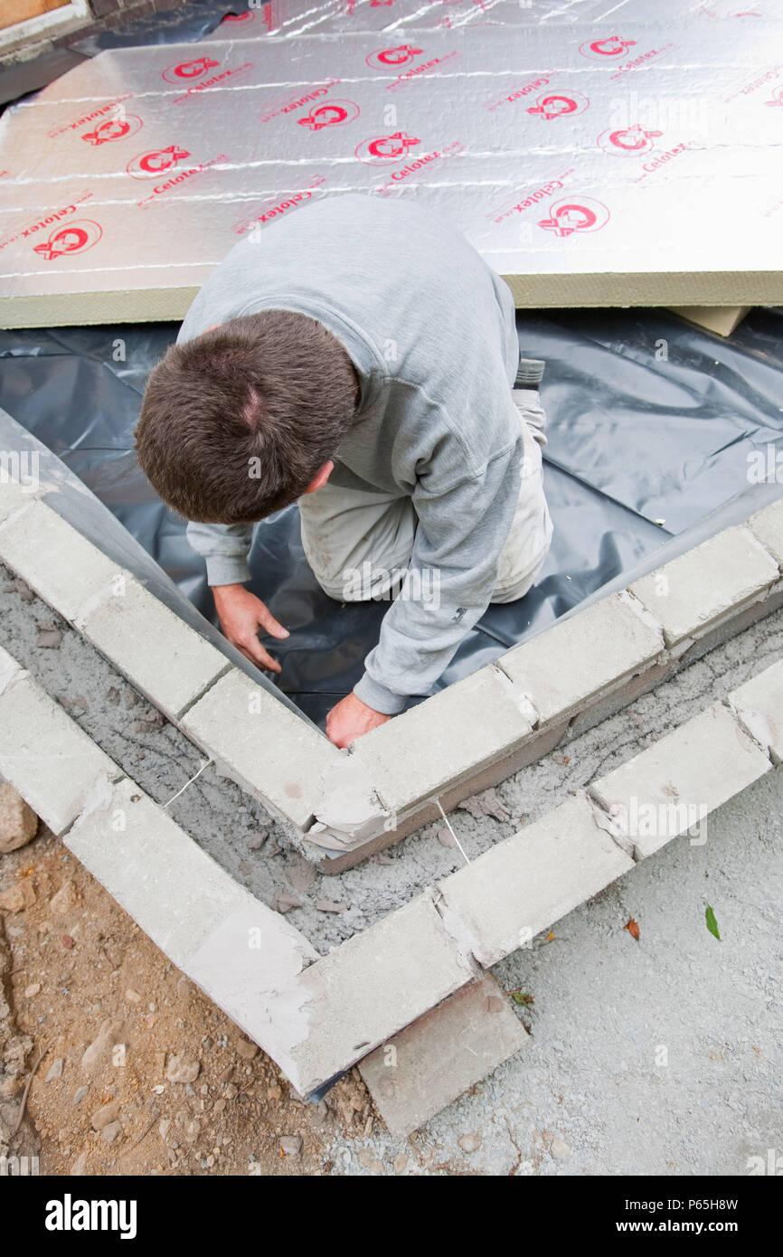 Bauherren Legen Sie Unter Bodenisolierung In Eine