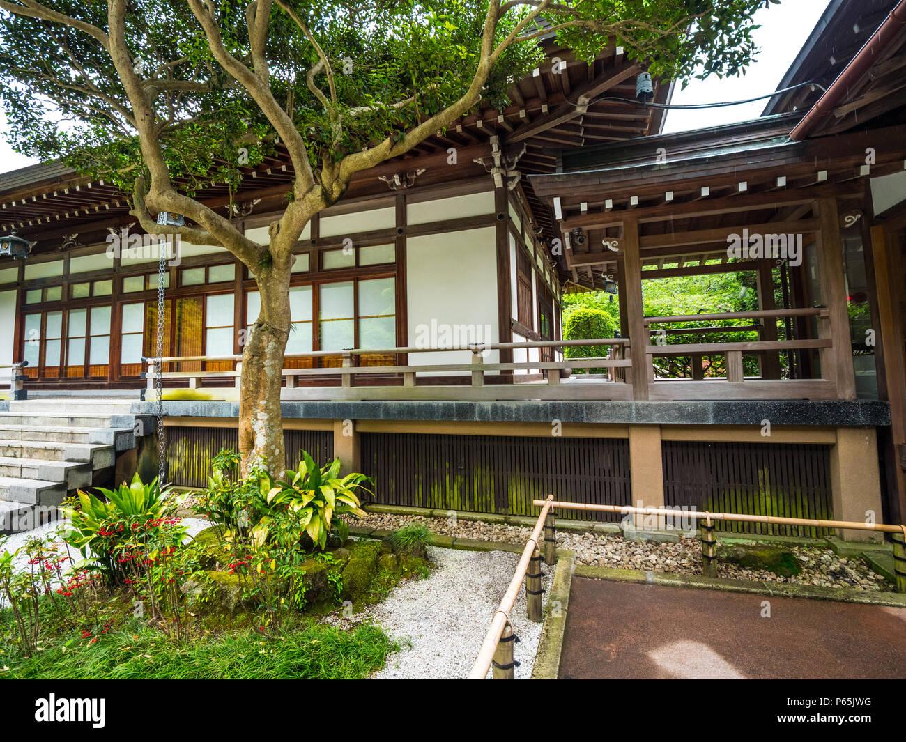 Traditionelle japanische Häuser in Kamakura - Tokyo/Japan - Juni 17 ...