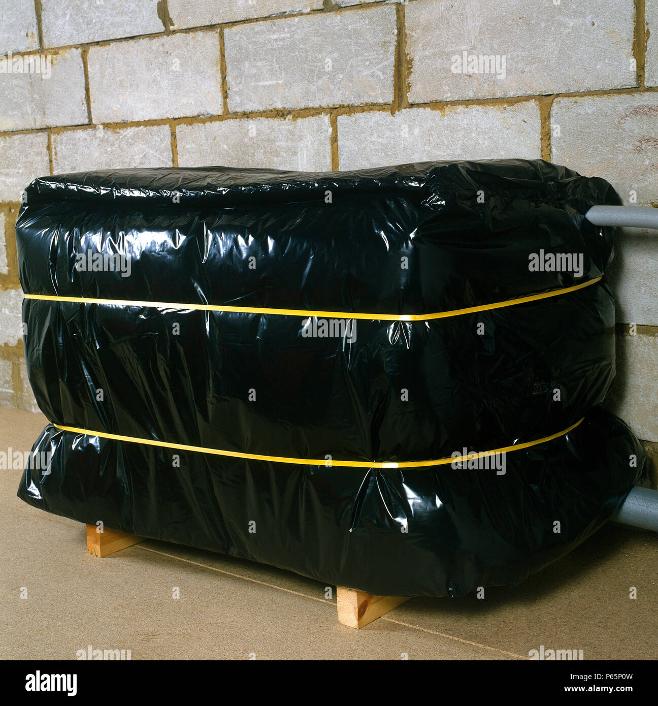 Central Heating Water Tank Stockfotos & Central Heating Water Tank ...