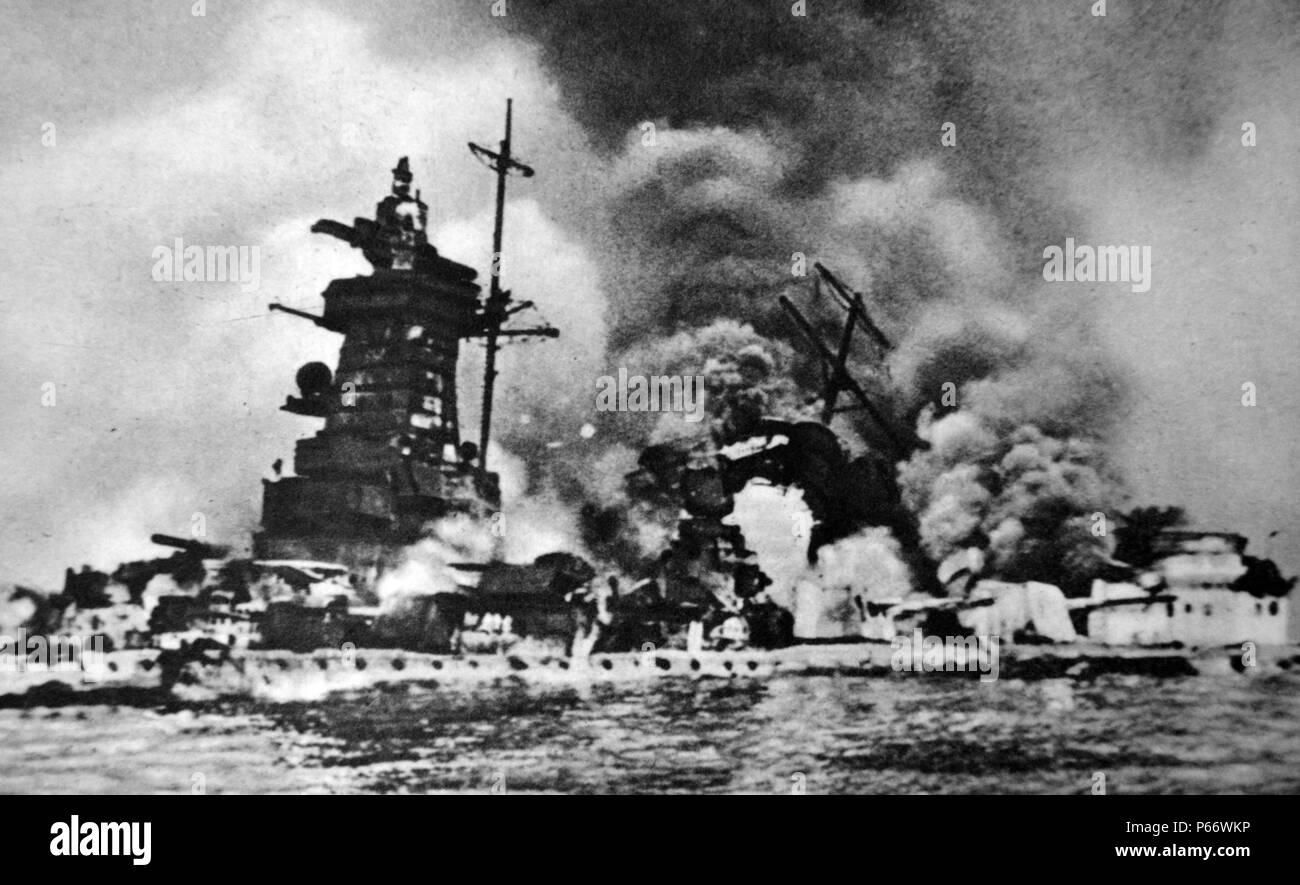 Admiral Graf Spee war ein Deutschland-Klasse Heavy Cruiser ('Pocket Battleship'), die mit der Kriegsmarine des nationalsozialistischen Deutschland während des Zweiten Weltkrieges diente Admiral Graf Spee wurde auf den südlichen Atlantik in den Wochen bereitgestellt vor dem Ausbruch des Zweiten Weltkriegs, in merchant Seewege positioniert werden kann, sobald der Krieg erklärt wurde. Zwischen September und Dezember 1939. Es wurde von drei britischen Kreuzer in der Schlacht von der River Plate konfrontiert und 1939 gesunken Stockbild