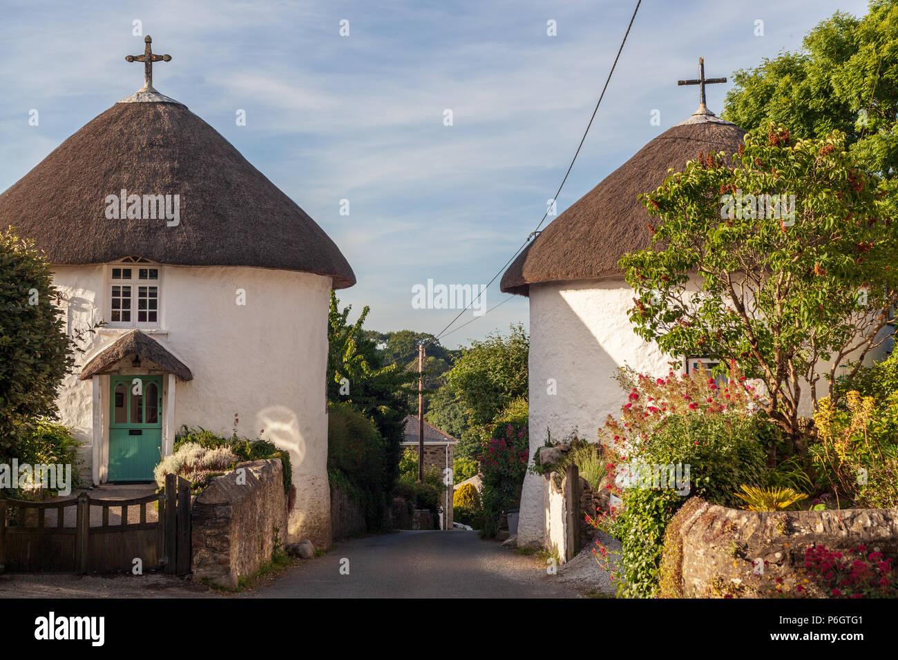 Ansicht Der Alten Runde Hauser In Veryan Roseland Halbinsel Cornwall