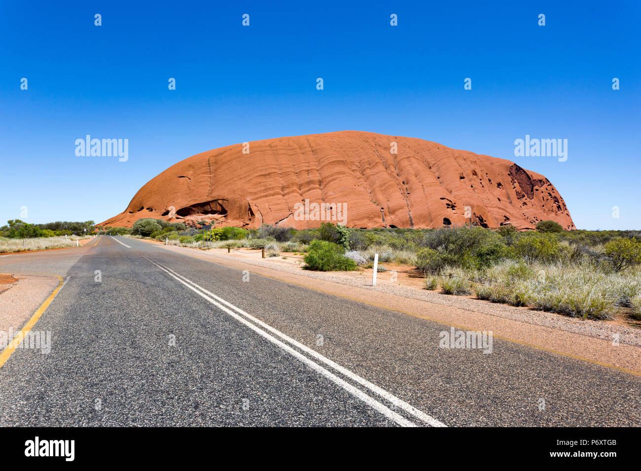 Weg nach Uluru, Northern Territory, Australien. Stockbild