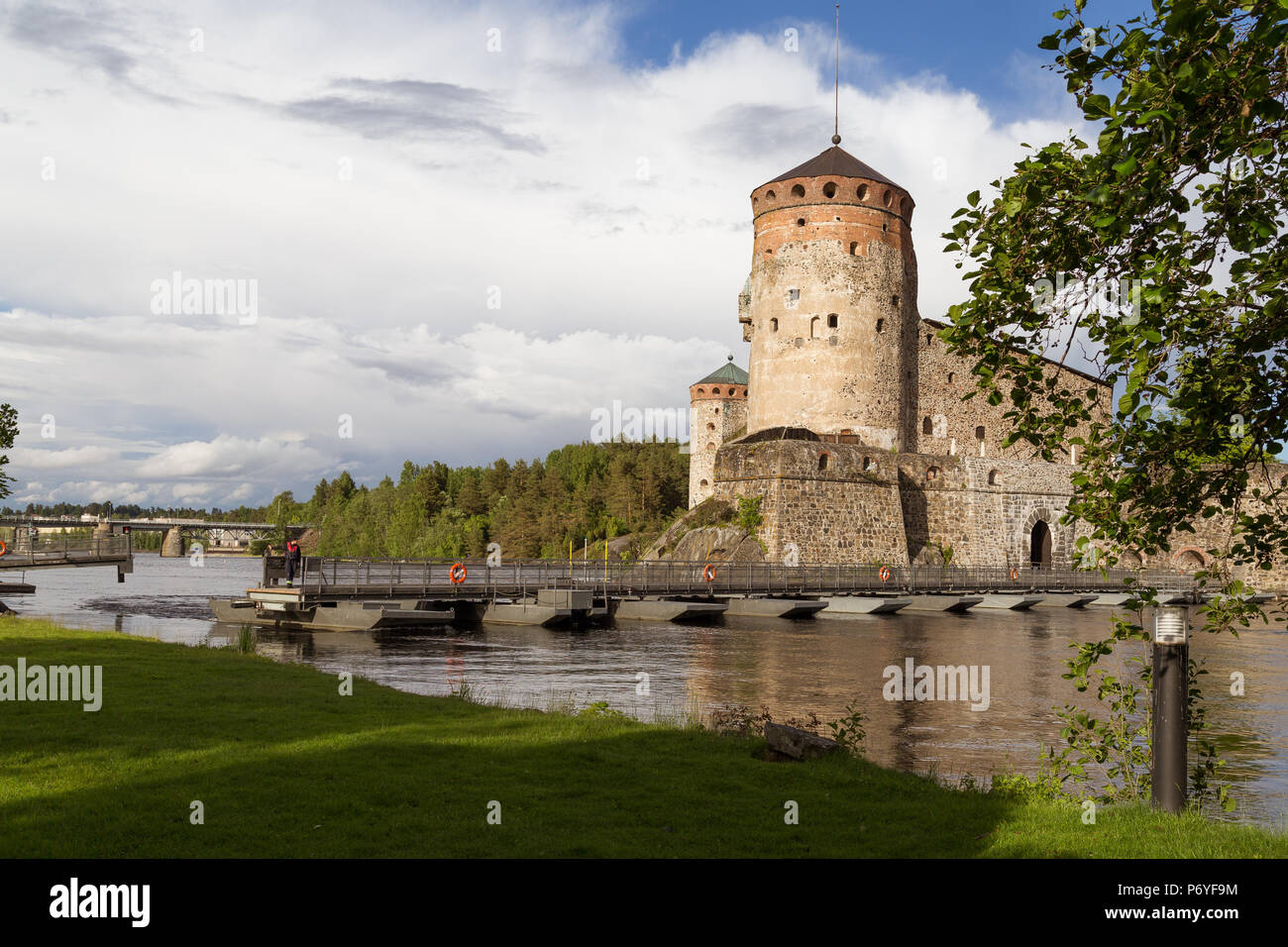 Savon linna Kaste und bewegliche Brücke auf sommerlichen Tag Stockfoto