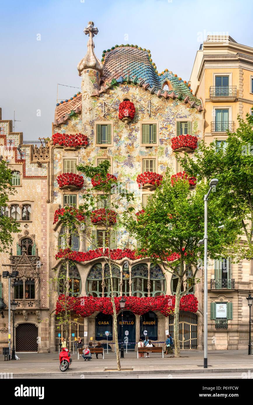 La Diada De Sant Jordi Stockfotos Und Bilder Kaufen Alamy