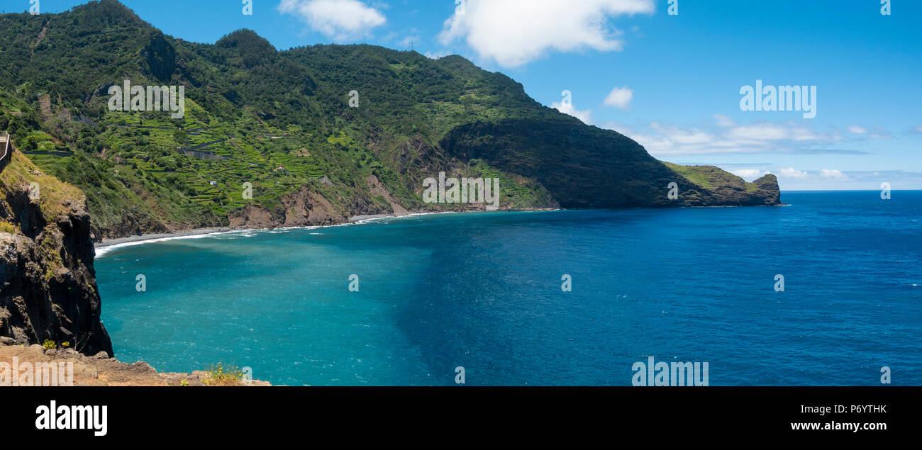 Kran Sicht nr Faial an der nordöstlichen Küste von Madeira Stockbild